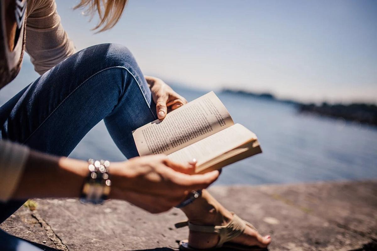 Voici les livres que vous allez dévorer au bord de la plage cet été